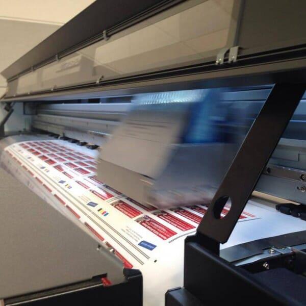 Individuelle Sticker 90x50 mm / CMYK Lösemittel Digitaldruck
