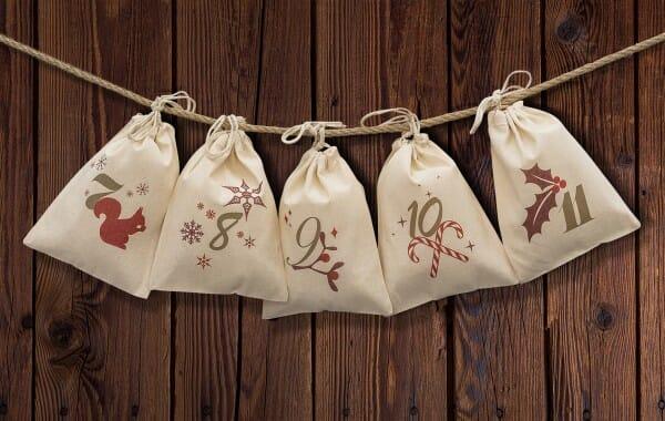 Adventskalender mit 24 Säckchen zum Befüllen mit Kordel