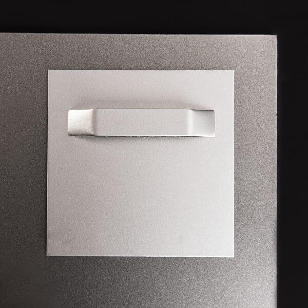 2 Stück Aufhänger mit Abstandhalter klebend bis 3 kg 70x70 mm (Spiegelblech)