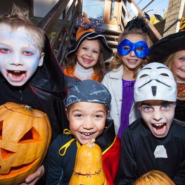 """Nur noch wenige Tage bis Gespenster und Monster wieder ihr Unwesen treiben – Woher kommt Halloween und was bedeutet eigentlich """"trick or treat""""?"""